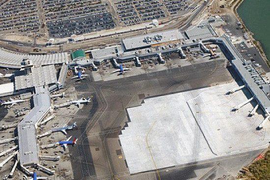 OaklandAirport-550x385